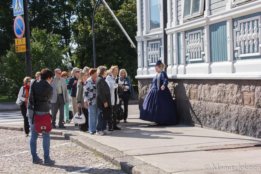 Gustava rouvan kanssa kävelyllä-7983